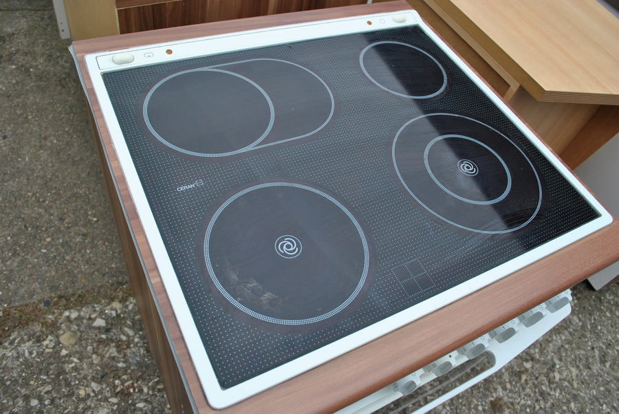 Fundgrube Detmold - komplette Küche, Elektrogeräte, Einbauküchen
