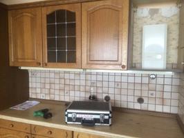 komplette Küche mit E Geräte